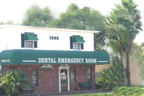 Dental Emergency Room in Clearwater, Tampa Bay front entrance